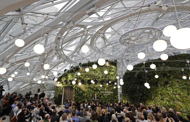 Amazon Spheres: una foresta pluviale nel cuore della città