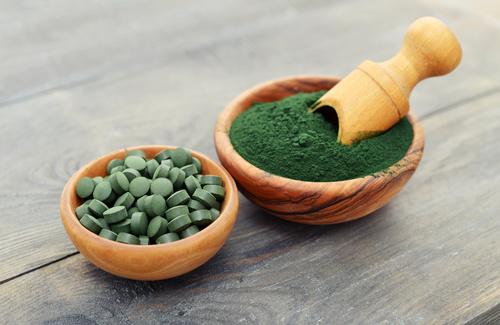 Alga spirulina: usi e proprietà del superfood che promette miracoli