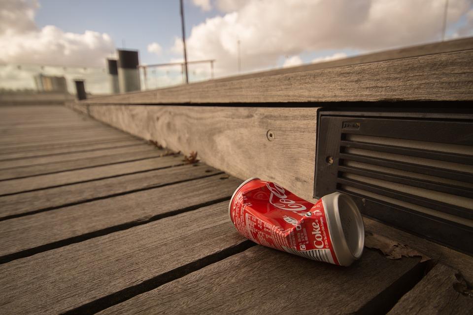 Un nuovo packaging sostenibile per Coca Cola, che diventa riciclabile