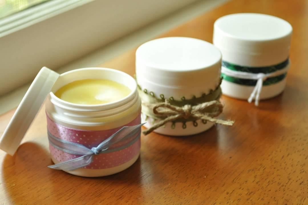 Crema mani naturale fai da te, per proteggere la pelle dal freddo
