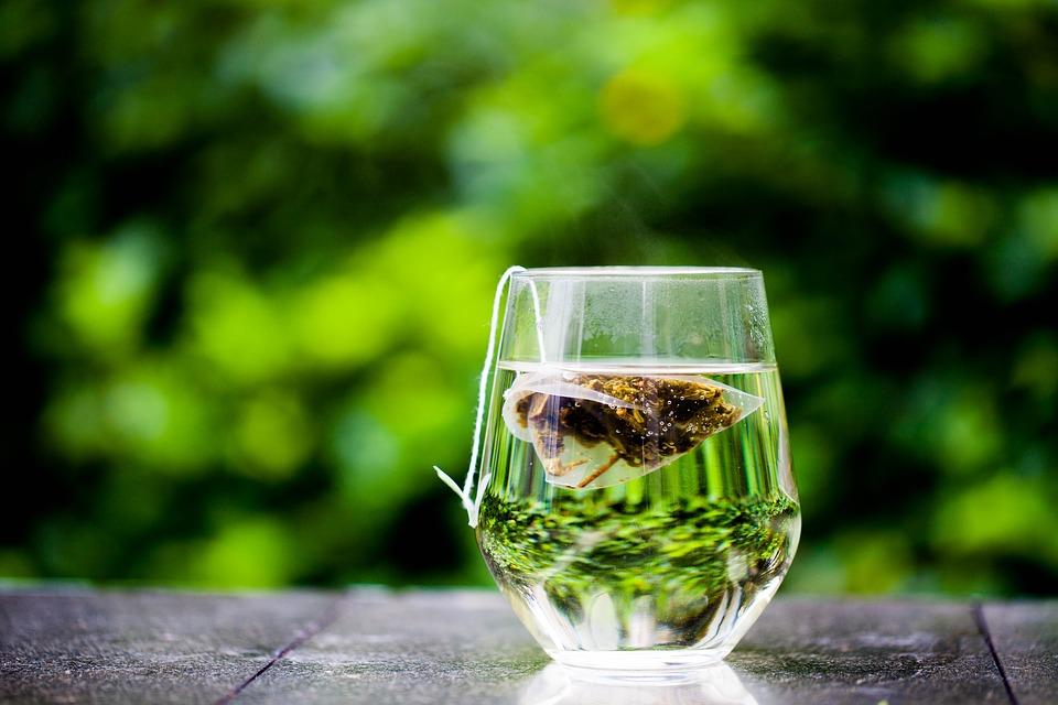 Riciclo creativo: nuova vita alle bustine del tè usate