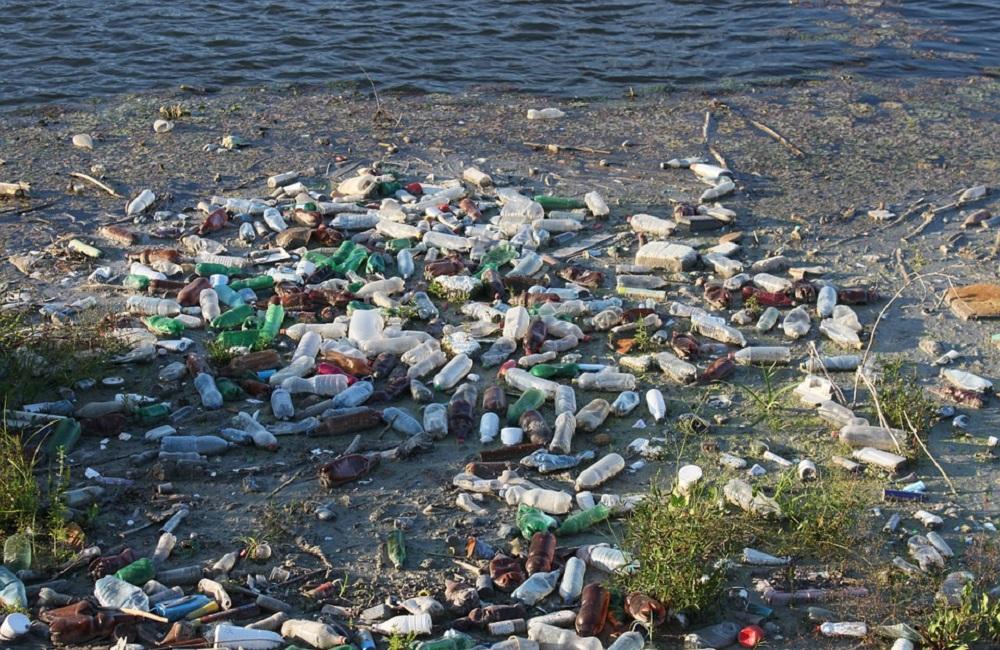 Pacifico, isola di plastica grande tre volte la Francia