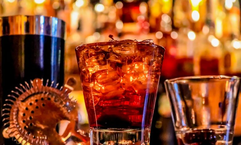 Alcolici, i danni: diciotto drink a settimana riducono l'aspettativa di vita