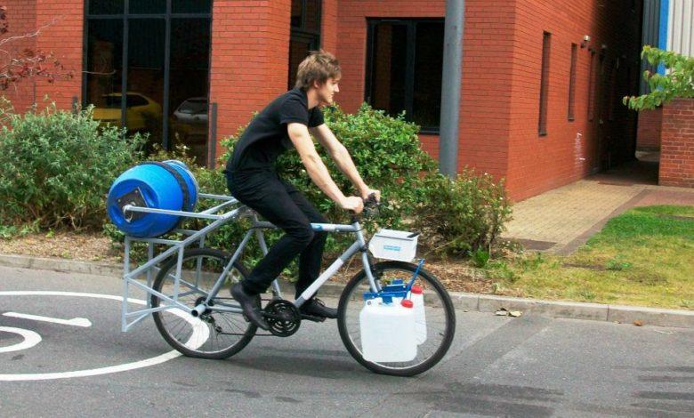 La lavatrice-bicicletta a impatto zero che funziona pedalando