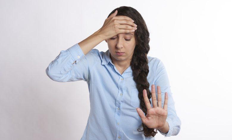 Insonnia e mal di testa: nove italiani su dieci soffrono di stress