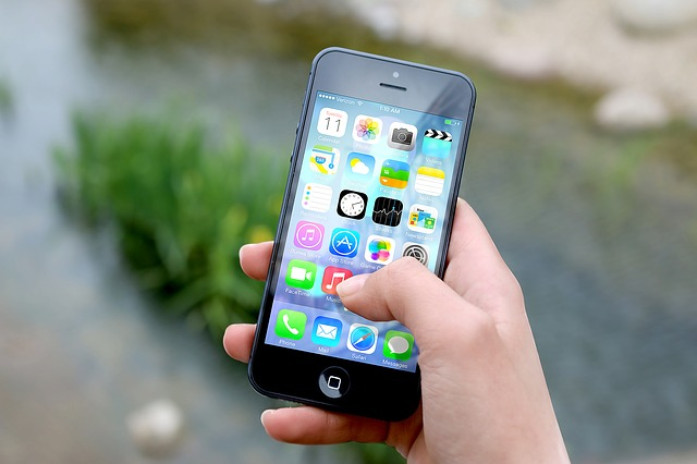 I gesti sullo smartphone fanno capire chi siamo e ci rendono riconoscibili: la ricerca
