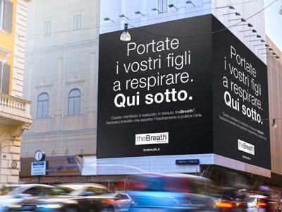 A Roma il manifesto pubblicitario che elimina lo smog